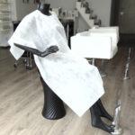 capa de corte desechable de peluquería blanca