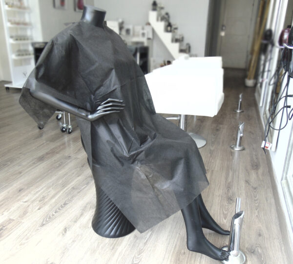 capa de corte desechable de peluquería negra